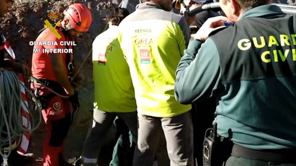 Suche nach Kind in 110 Meter-Schacht bisher erfolglos