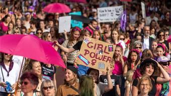 In Basel legte der Frauenstreik die Innenstadt lahm.