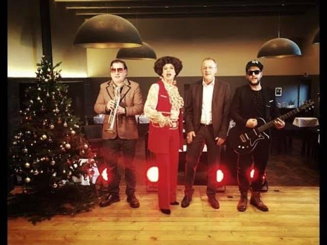 Einzigartige Band: Fredy Bickel, Beat Schlatter Helga Schneider und Halunke Häni in ihrem Song «Min Schnüggel hät en Püggel».