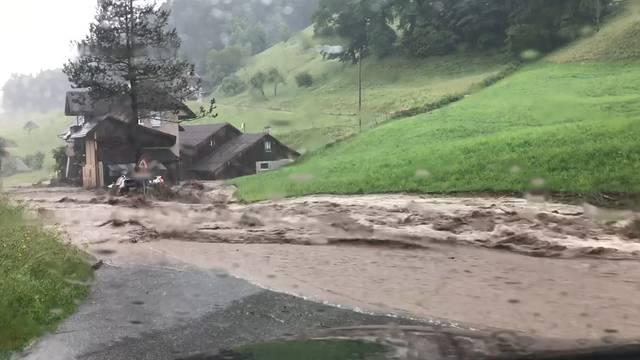 Erneut heftige Gewitter über der Schweiz
