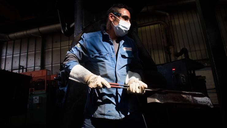 Die Schweizer Industriellen kritisieren den Schutz für besonders gefährdete Arbeiterinnen und Arbeiter.