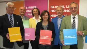 Die Arbeitsgruppe der Kampagne «Kircheneintritt» (vl.) Hansjörg Brunner, Erich Huber, Gudula Metzel-Vitallowitz, Verena Enzler, Werner Sauser und Clemens Ackermann.