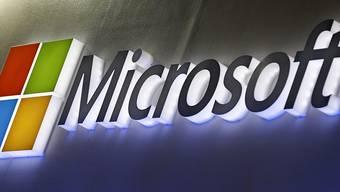 Der US-Konzern Microsoft hat die Erlaubnis von den USA erhalten, den chinesischen Huawei-Konzern trotz des Handelsstreits beliefern zu dürfen. (Archivbild)
