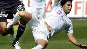 Davide Chiumiento fällt mit Muskelfaserriss im Oberschenkel länger aus.
