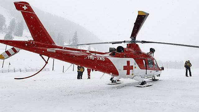 Rega-Helikopter nach dem verheerenden Lawinenunglück im Diemtigtal Anfang Januar 2010 (Archiv)