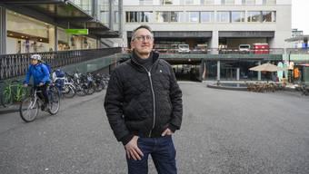 Architektur-kritischer Rundgang durch die Stadt Baden mit Hochparreterre-Redaktor Werner Huber.