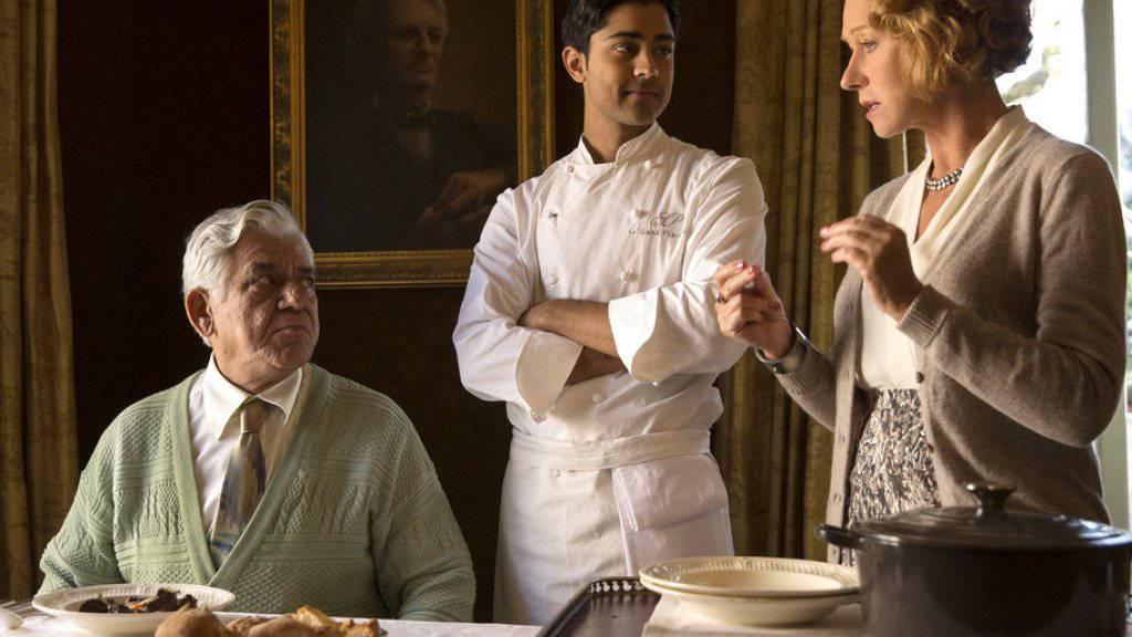 """Om Puri (links) an der Seite von Manish Dayal und Helen Mirren in der Romanze """"The Hundred-Foot Journey"""": Der Film lief 2014 in den Schweizer Kinos."""