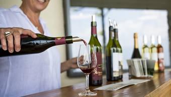 Für Weine aus dem Burgund werden Rekordpreise geboten. (Symbolbild)