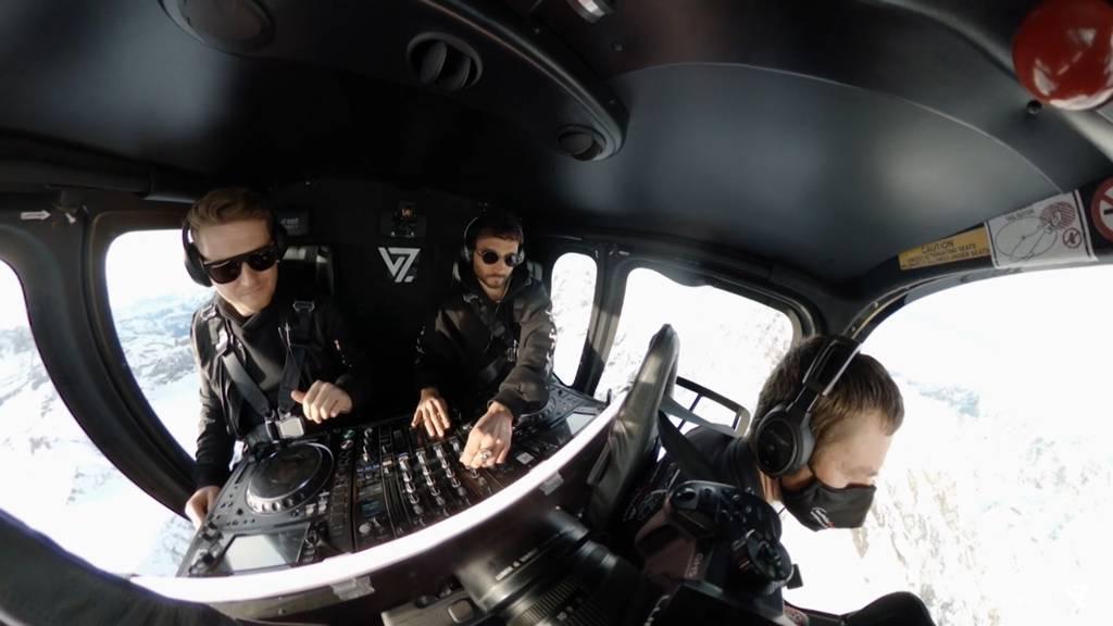 Ein DJ-Set im Helikopter