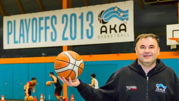 Als Trainer emotional und impulsiv, als Mensch ruhig und freundlich: Milenko Tomic hat in Aarau alles im Griff. Fabio Baranzini