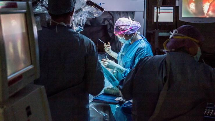 «Dass der Chefarzt Leistungen auf sich erfasst, die er nicht erbracht hat, trifft laut unseren Feststellungen zu» – das schrieben externe Revisoren in ihren Bericht zur Prüfung am Kantonsspital Aarau.