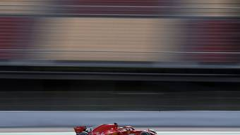 Sebastian Vettel lässt im Ferrari alle Konkurrenten hinter sich