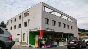 Das Team der Brogli AG freut sich über die Eröffnung des neuen Ladens nach einer Bauzeit von fast einem Jahr.