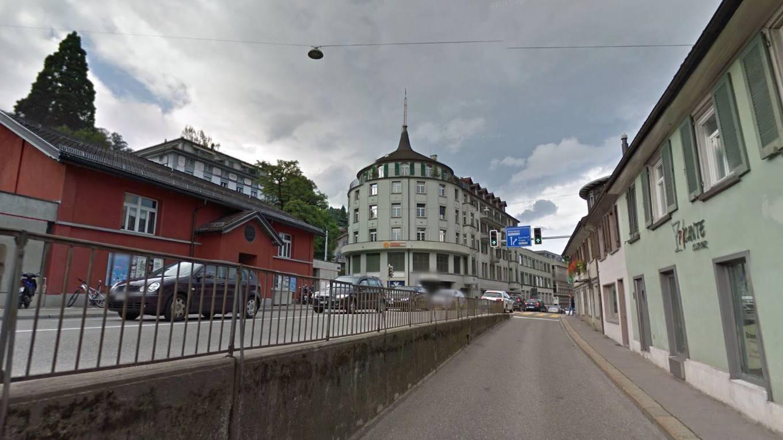 Ins runde Gebäude oberhalb des «Alpenchique» zieht das «MFIT» ein.