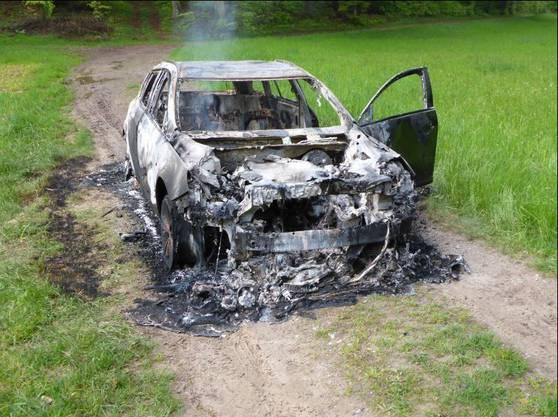 Das Auto des Vermissten ist völlig ausgebrannt