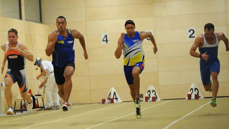 Rolf Malcolm Fongué (Zweiter von links) war mit 6,92 Sekunden der Schnellste aller Sprinter. Junkov