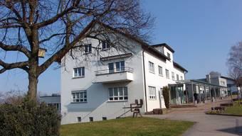 Im Urdorfer Gemeinderat müssen zwei Abteilungen bald ihre Büros zügeln.
