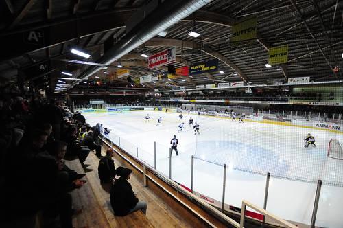 Der EHC Olten gewinnt vor 3383 Zuschauern im Langenthaler Schoren schlussendlich hochverdient mit 2:5.