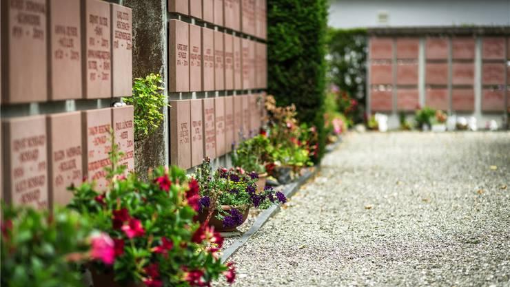 Der Kölliker Friedhof braucht eine zusätzliche Urnennischenwand. CHRIS ISELI