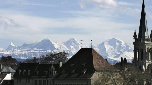 Blick über die Häuser der Berner Altstadt (Archiv)
