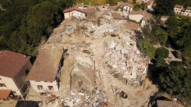 Nach der Erdbebenkatastrophe ruft Italien den Notstand aus (18)