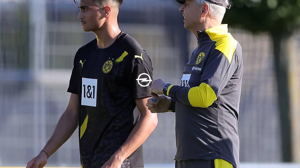 Lucien Favre und der Brasilianer Jesus Reinier, einer der vielen vielversprechenden Jungen im Kader von Borussia Dortmund