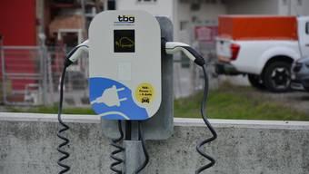 Kein Verzicht dank technologischem Fortschritt: In diesem Geist steht die «Blaue Ökologie». (Im Bild eine Ladestation für E-Autos.)