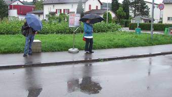 Hier werden die Kunden im Regen stehen gelassen.