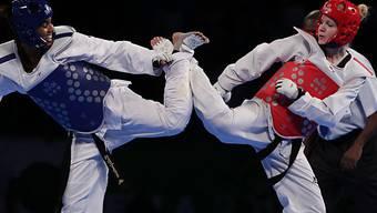 Nina Kläy (roter Helm) ist Europameisterin