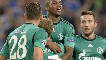 Jefferson Farfan (mitte) schoss für Schalke das Führungstor