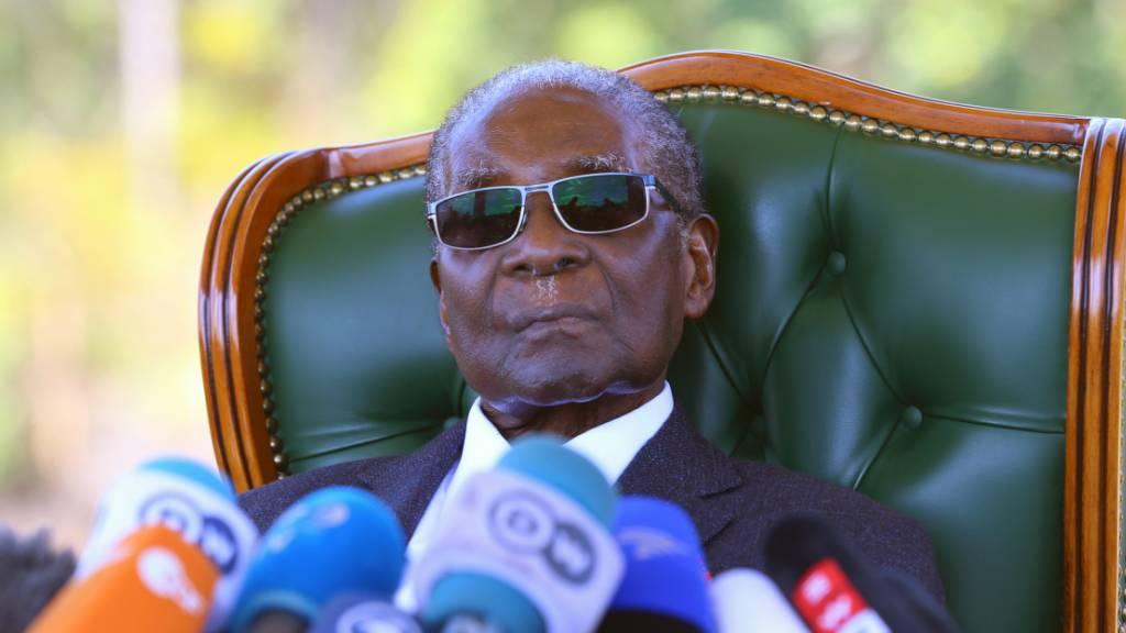 Der ehemalige Präsident von Simbabwe, Robert Mugabe, ist im Alter von 95 Jahren gestorben. (Archivbild)