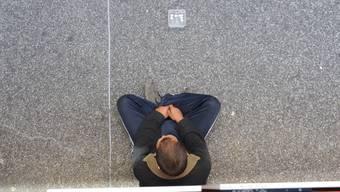 Ausländische Bettler sind häufig organisiert. Auch im Bezirk Dietikon sind sie bekannt. (Emanuel Freudiger)