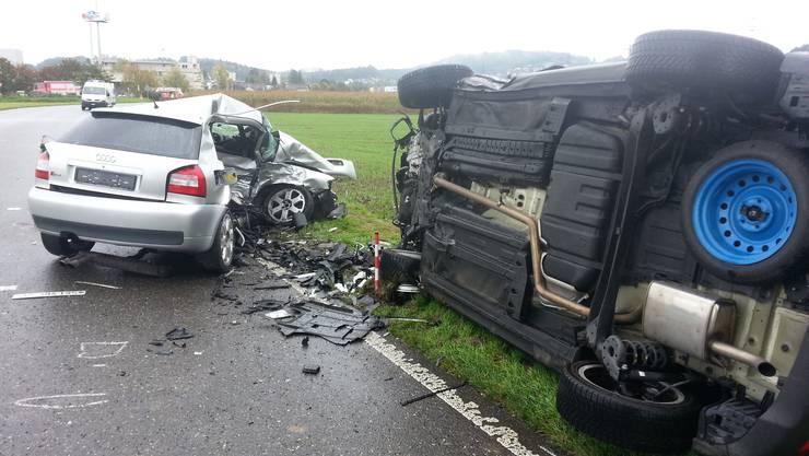 Auf der Verbindungstrasse zwischen Suhr und Entfelden kam es zu einem schweren Verkehrsunfall.