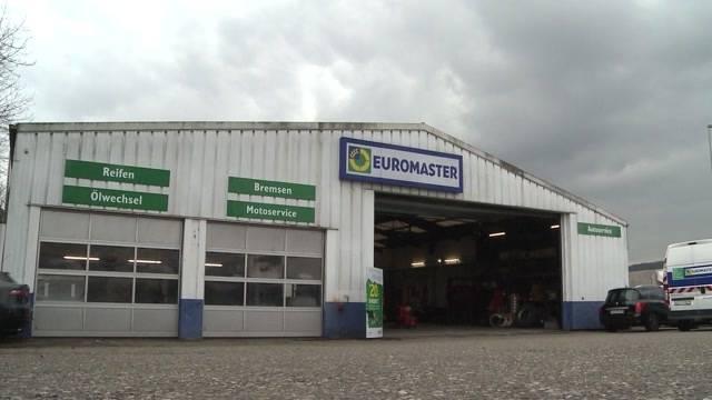 Teure Spezial-Lieferwagen aus Werkstatt