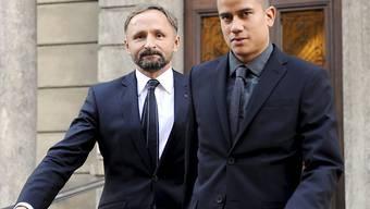 Der Angeklagte David Blumer (r.) mit seinem Anwalt Markus Zwicky.