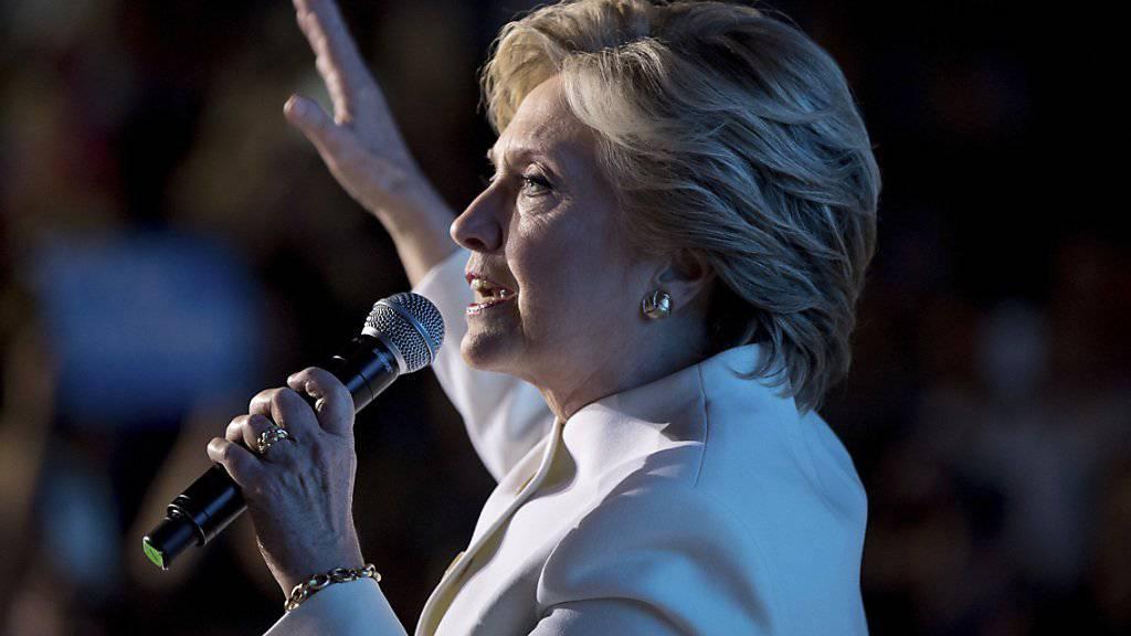 Laut ersten Umfragen siegte sie auch bei der dritten Debatte: Hillary Clinton.
