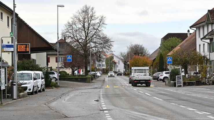 Für rund 10.2 Millionen Franken soll die Dorfstrasse in Neuendorf saniert werden.