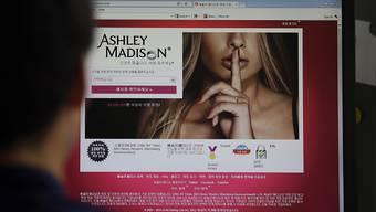 Ashley Madison vermittelt weltweit Seitensprünge - eine Hackergruppe droht nun damit, die echten Namen der anonymen Mitglieder zu veröffentlichen. (Archiv)