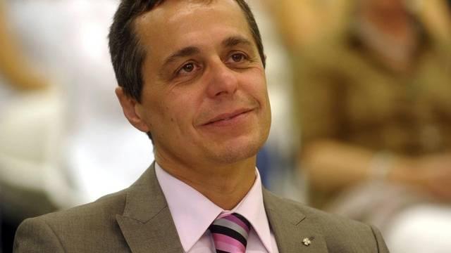 Nationalrat Ignazio Cassis will Sanktionen prüfen (Archiv)