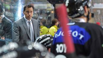 Sorgenvolle Miene: Berns Headcoach Guy Boucher.keystone