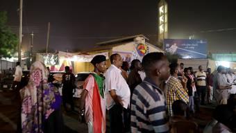 Im Sudan soll es in der kommenden Woche stille Proteste gegen die stockenden Verhandlungen der Opposition mit dem Militärrat geben. (Archivbild)