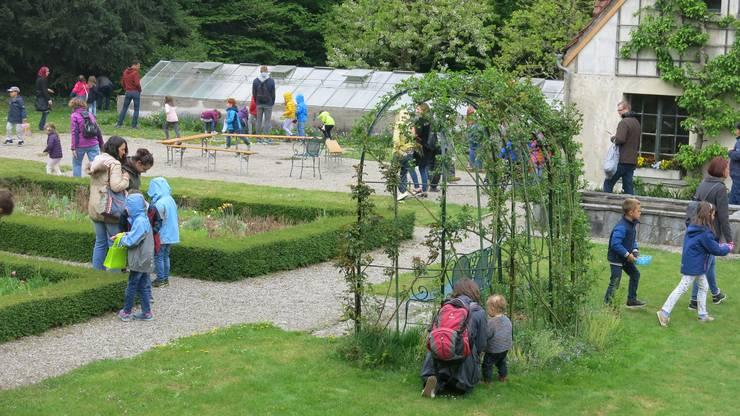 Die grosse Ostereierjagd im Park der Villa Langmatt.