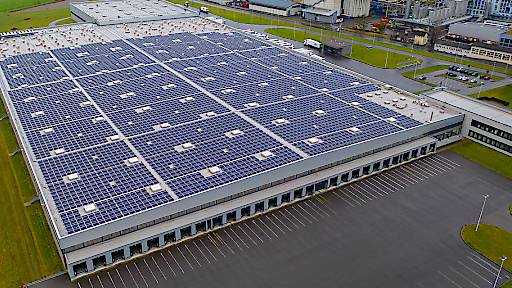 Grösste Solaranlage in Perlen auf einem Dach