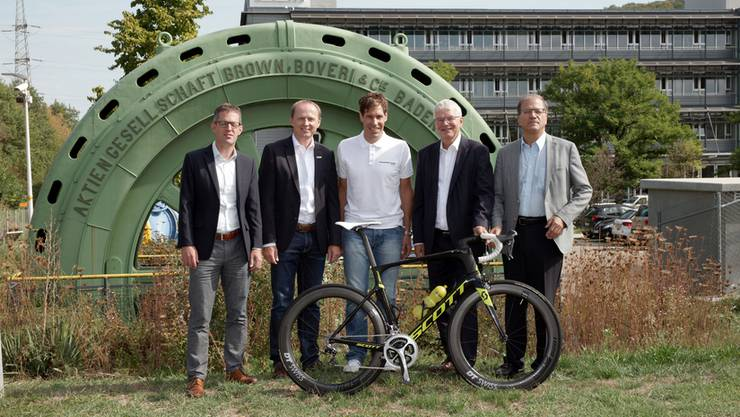 (v.l.n.r.) Markus Eigenmann (Gemeindepräsident Arlesheim), Kurt Betschart (Technischer Direktor Tour de Suisse), Marc Rüdisühli (Präsident lokales OK Etappenort), Conrad Ammann (CEO EBM Gruppe), Giorgio Lüthi (Gemeindepräsident Münchenstein)