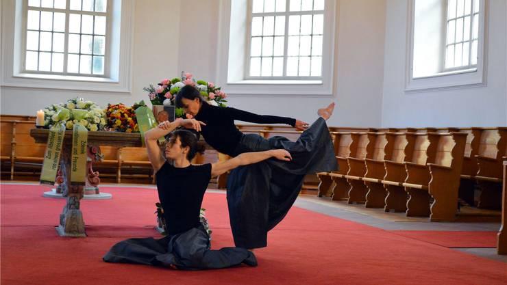 Daniell Ficola und Gabriel Mareque tanzten vor dem Altar in Erinnerung an Jean Deroc. Samuel Frey