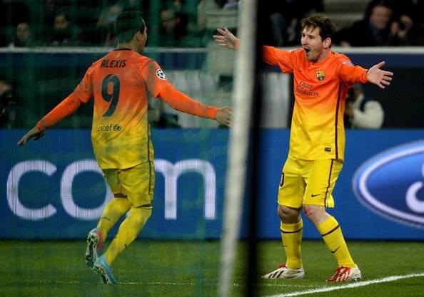 Lionel Messi schiesst das 1:0 für den FC Barcelona.