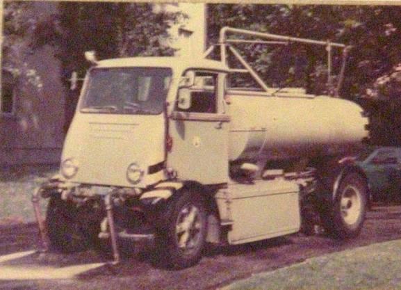 Seit 1920 setzt das Tiefbauamt auf Elektrofahrzeuge. Der Tribelhorn Schwemmwagen war bis 1986 im Einsatz.