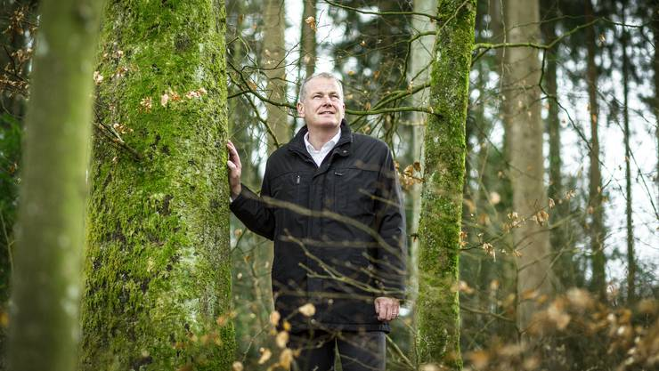 Walddirektor Stephan Attiger als Sohn eines Försters ist überzeugt, dass man die Freizeitnutzung des Waldes finanzieren muss. Der Kanton sei aber der falsche Adressat für die Waldinitiative.