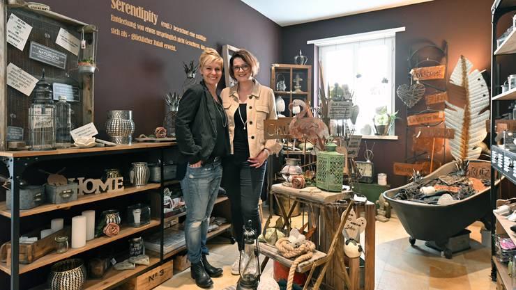 Vor zwei Jahren haben Barbara Müller (links) und Andrea König ihren gemeinsamen Laden in Lostorf eröffnet.
