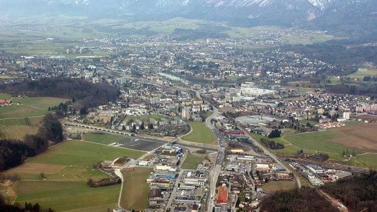 So sieht Zuchwil und Solothurn aus luftigen Höhen aus.